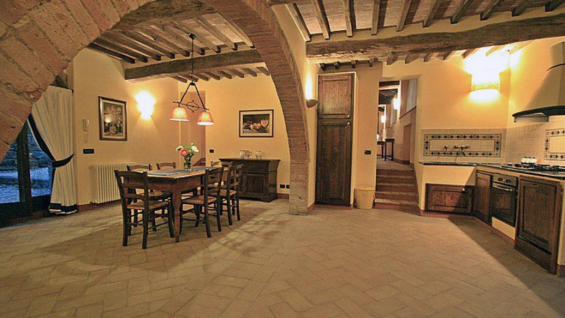 Stone farmhouse Villa Montebello Tuscany Montalcinello 7