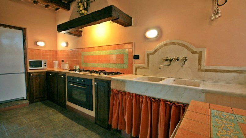 Stone farmhouse Villa Montebello Tuscany Montalcinello 76