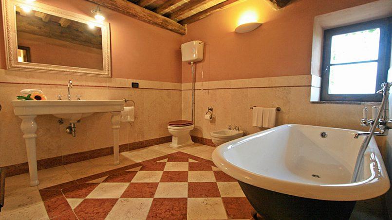 Stone farmhouse Villa Montebello Tuscany Montalcinello 79