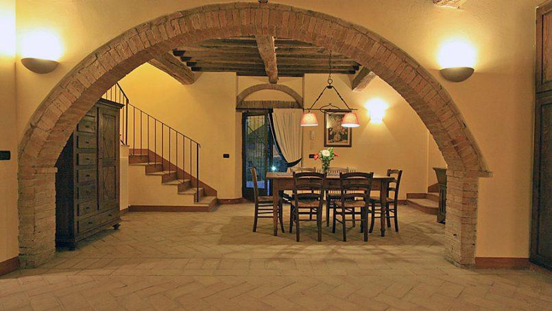 Stone farmhouse Villa Montebello Tuscany Montalcinello 8
