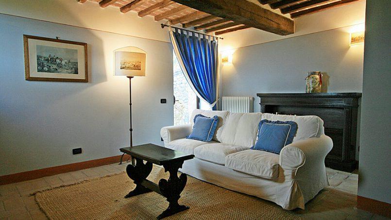 Stone farmhouse Villa Montebello Tuscany Montalcinello 81