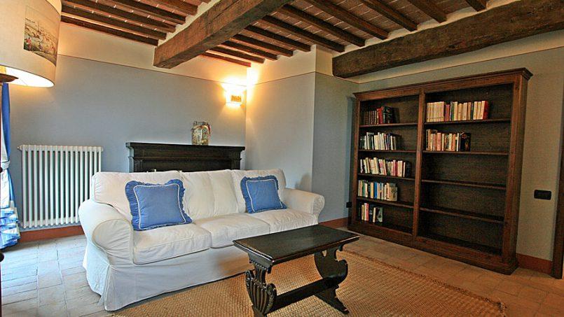 Stone farmhouse Villa Montebello Tuscany Montalcinello 82