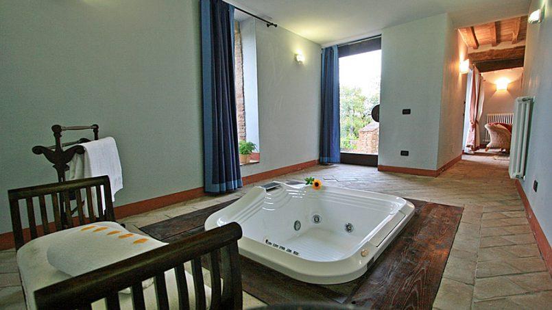 Stone farmhouse Villa Montebello Tuscany Montalcinello 84