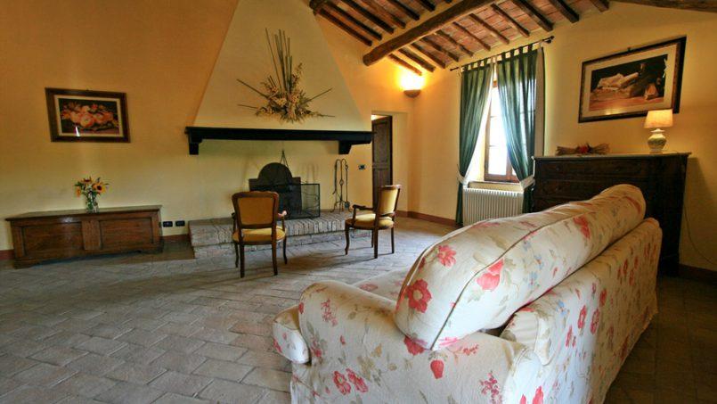 Stone farmhouse Villa Montebello Tuscany Montalcinello 86