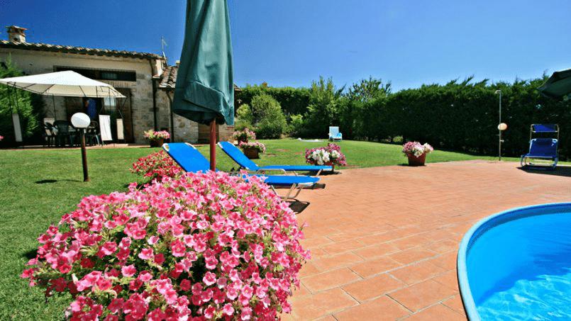 Stone built Villa Casavico Tuscany Siena 10