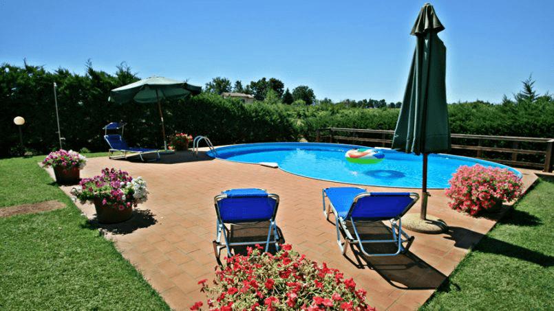 Stone built Villa Casavico Tuscany Siena 11