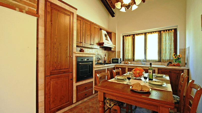 Stone built Villa Casavico Tuscany Siena 24