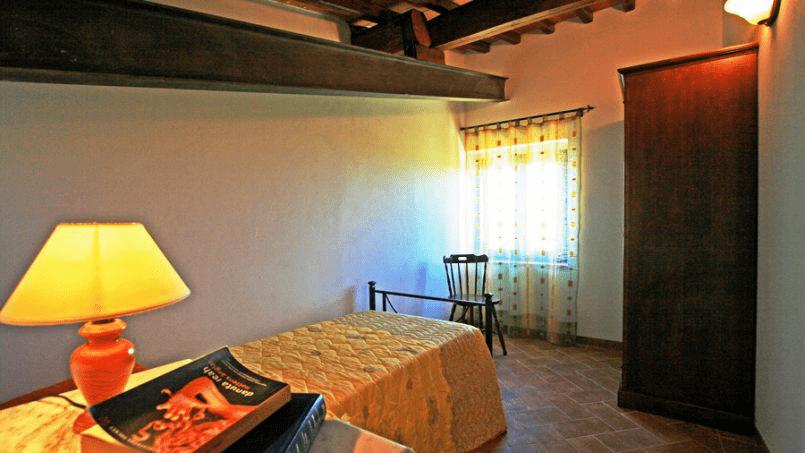 Stone built Villa Casavico Tuscany Siena 29