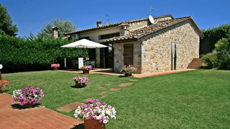 Stone built Villa Casavico Tuscany Siena 2A