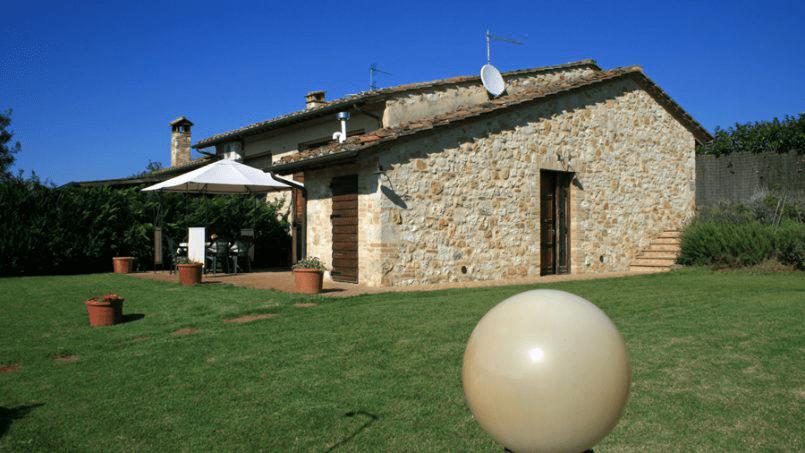 Stone built Villa Casavico Tuscany Siena 2C