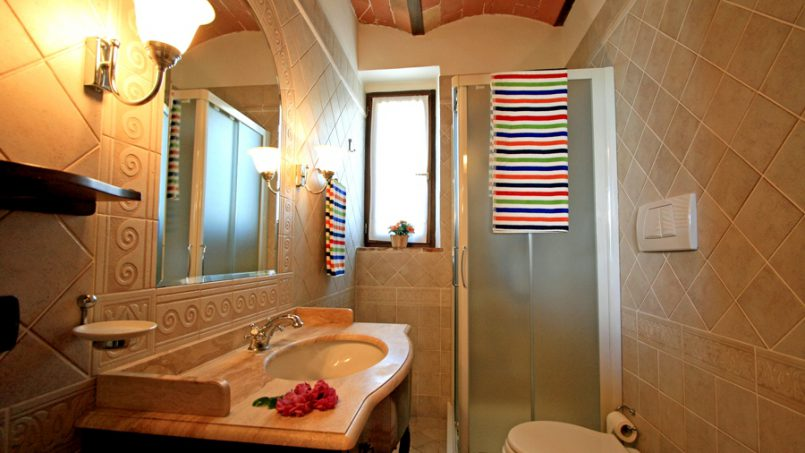 Stone built Villa Casavico Tuscany Siena 30