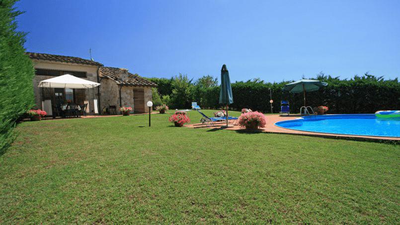 Stone built Villa Casavico Tuscany Siena 6A
