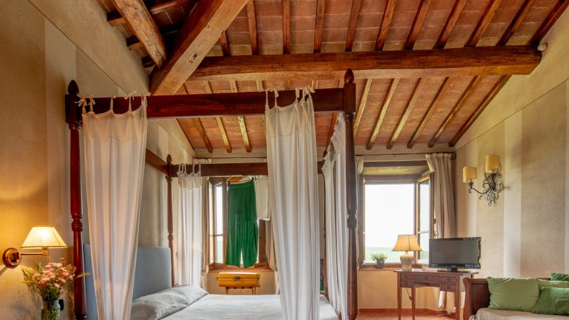Built in stone house Villa Giovanna Tuscany Bucine 12