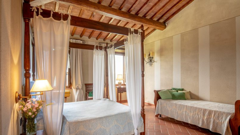Built in stone house Villa Giovanna Tuscany Bucine 13
