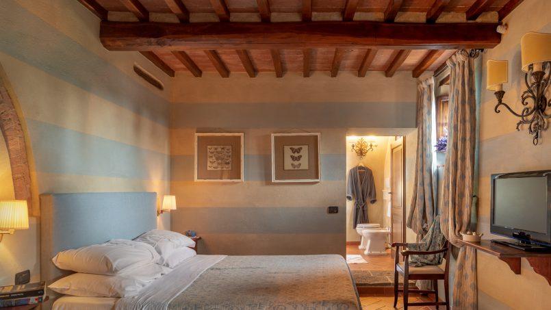 Built in stone house Villa Giovanna Tuscany Bucine 17