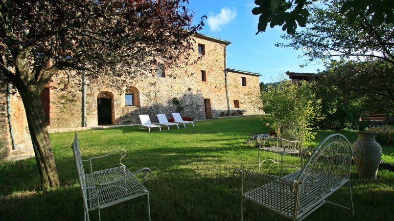 Historic building Villa Lavanda Tuscany Radicondoli 11