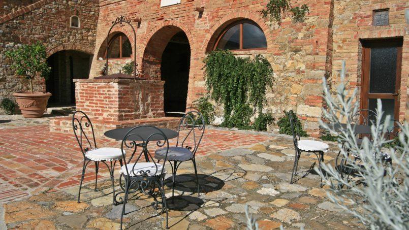 Historic building Villa Lavanda Tuscany Radicondoli 13