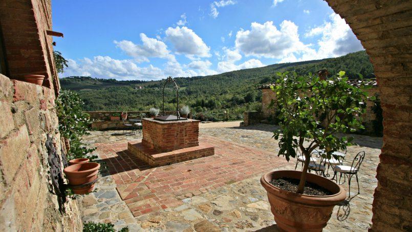 Historic building Villa Lavanda Tuscany Radicondoli 14