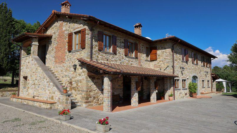 Hillside farmhouse Villa Romena Tuscany Poppi 1