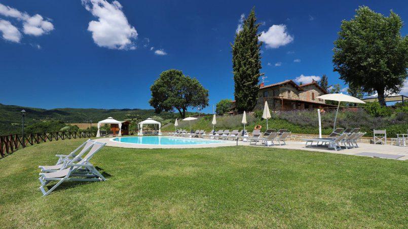 Hillside farmhouse Villa Romena Tuscany Poppi 12