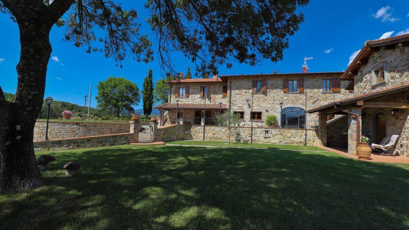 Hillside farmhouse Villa Romena Tuscany Poppi 22