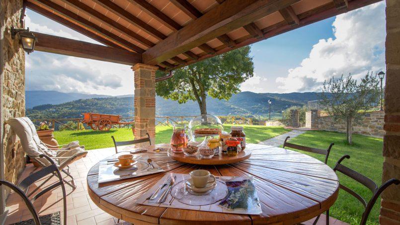 Hillside farmhouse Villa Romena Tuscany Poppi 25
