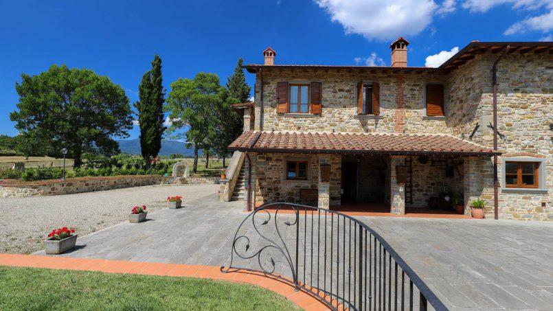 Hillside farmhouse Villa Romena Tuscany Poppi 28