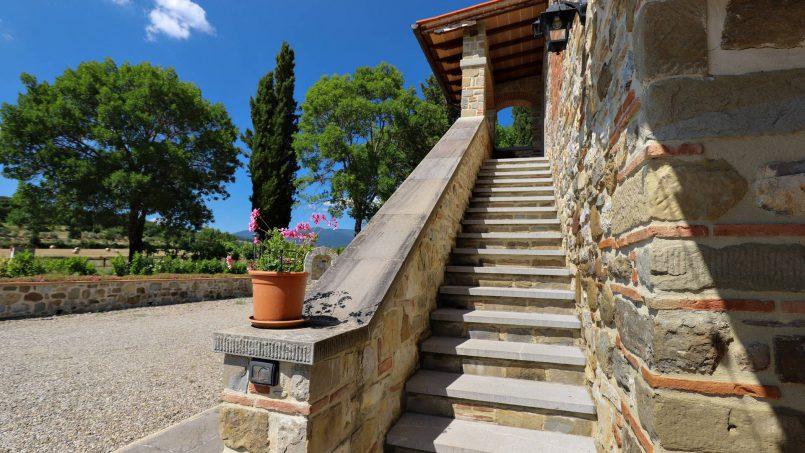 Hillside farmhouse Villa Romena Tuscany Poppi 29