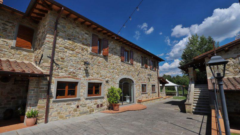 Hillside farmhouse Villa Romena Tuscany Poppi 3