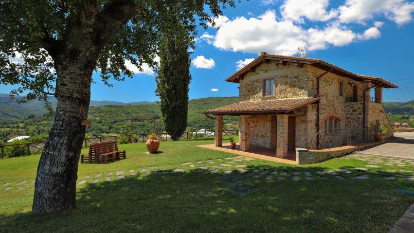 Hillside farmhouse Villa Romena Tuscany Poppi 35