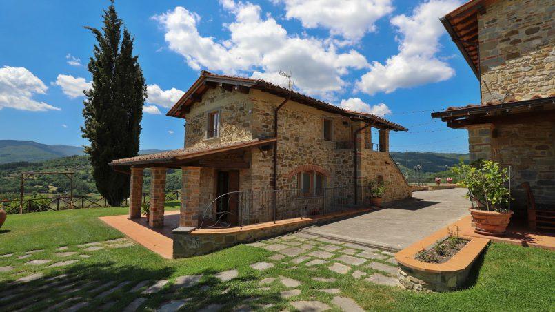 Hillside farmhouse Villa Romena Tuscany Poppi 36