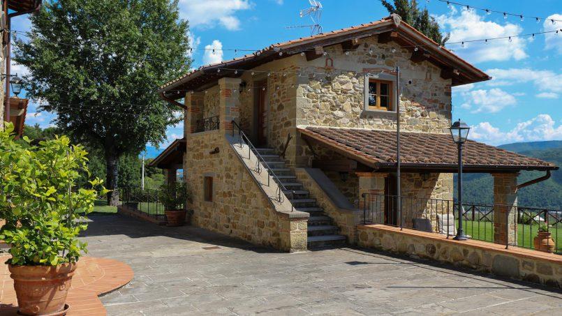 Hillside farmhouse Villa Romena Tuscany Poppi 4