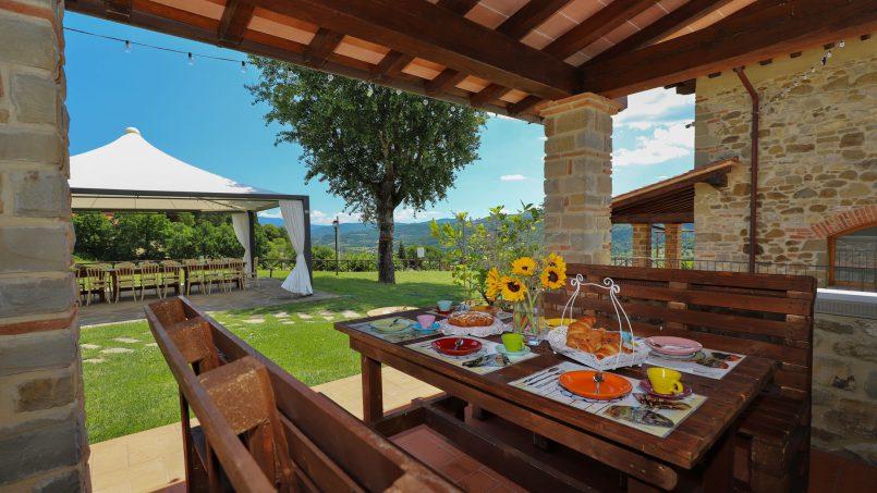 Hillside farmhouse Villa Romena Tuscany Poppi 50