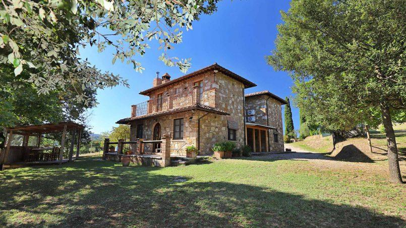 Ancient farmhouse Spinobianco Tuscany Chianciano