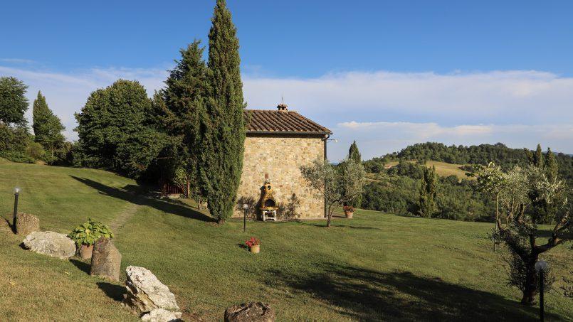Hillside stone built La Ripa Tuscany Belforte 10