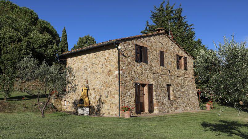Hillside stone built La Ripa Tuscany Belforte 15
