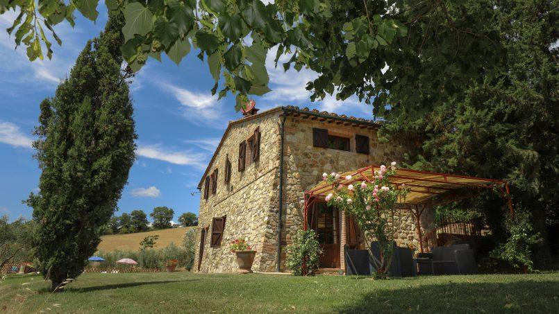 Hillside stone built La Ripa Tuscany Belforte 18