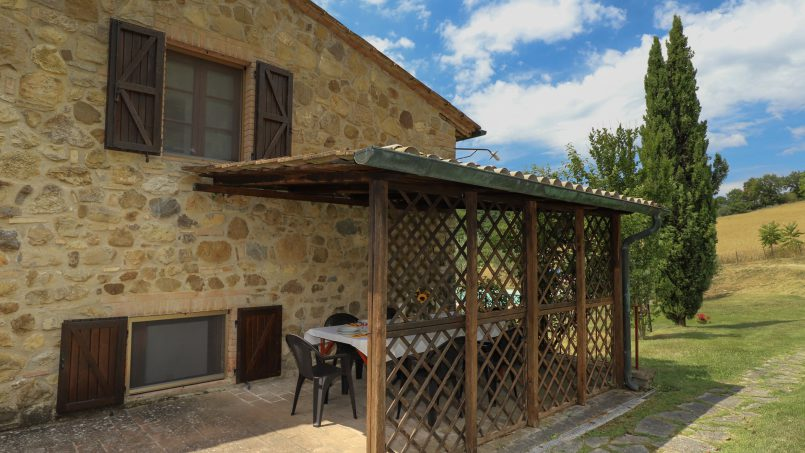 Hillside stone built La Ripa Tuscany Belforte 23