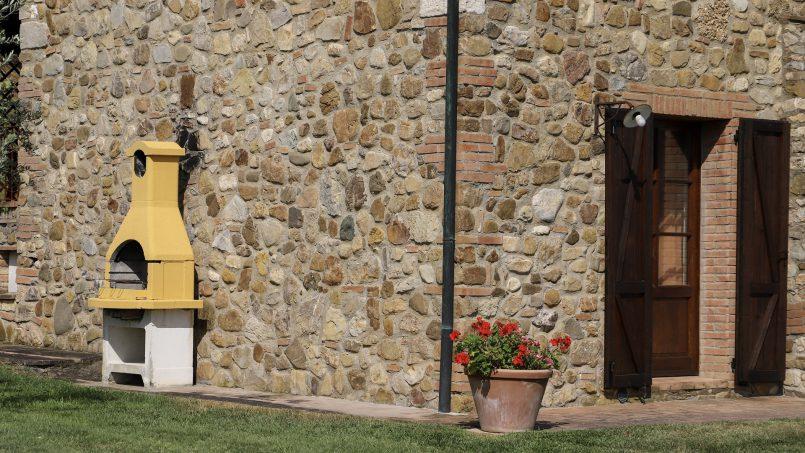 Hillside stone built La Ripa Tuscany Belforte 26