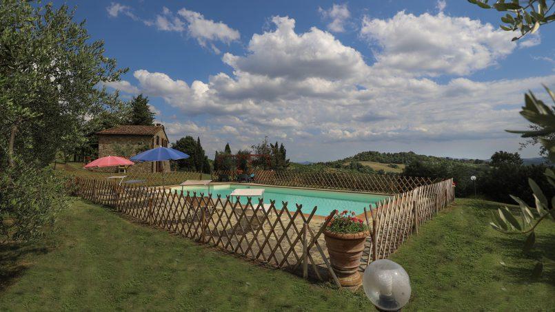 Hillside stone built La Ripa Tuscany Belforte 28