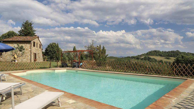Hillside stone built La Ripa Tuscany Belforte 30