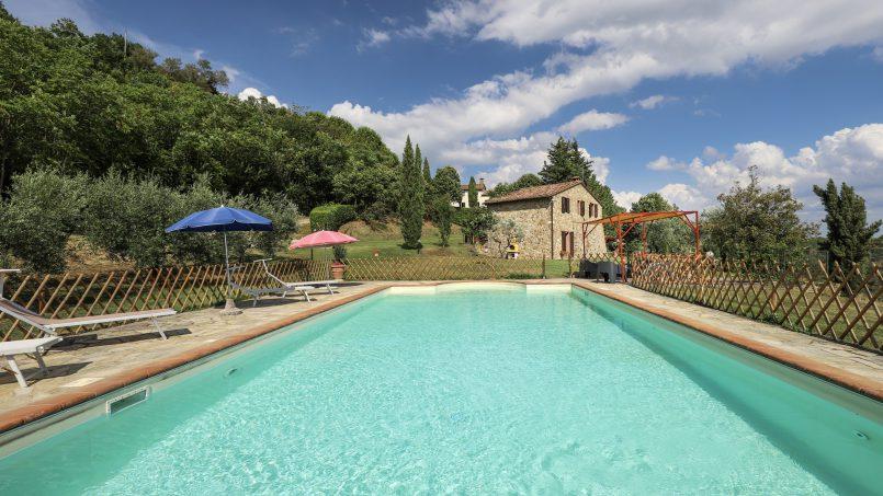 Hillside stone built La Ripa Tuscany Belforte 32