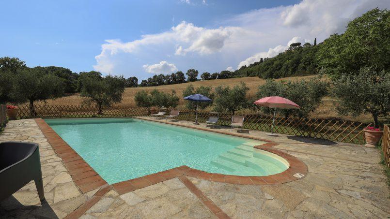 Hillside stone built La Ripa Tuscany Belforte 37