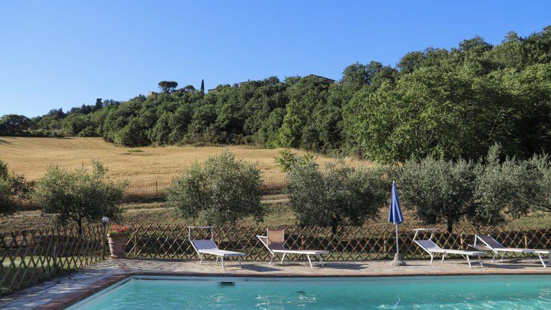 Hillside stone built La Ripa Tuscany Belforte 38