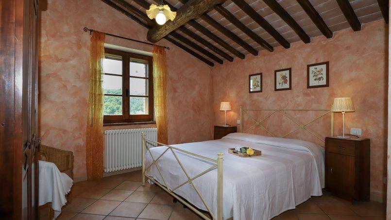 Hillside stone built La Ripa Tuscany Belforte 52