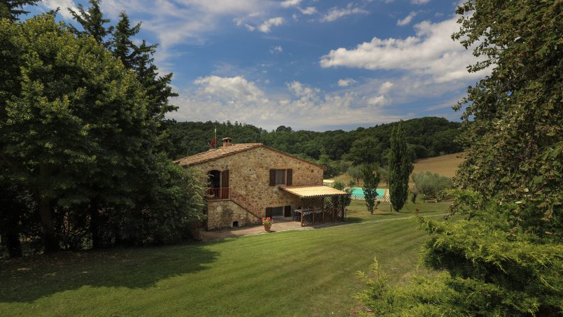Hillside stone built La Ripa Tuscany Belforte 8