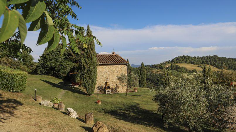 Hillside stone built La Ripa Tuscany Belforte 9